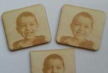 Fotografia DexDruk / Foto incise sul legno (spessore di 3 e 4 mm). Un' idea regalo meravigliosa, originale per tutte le occasioni. Per informazioni multilingua scrivete al nostro indirizzo di posta elettronica info@dex-druk.pl o telefonate al numero +48790207378.