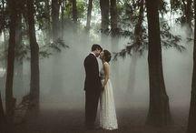 Mariage - Forêt / Si l'idée d'un mariage en toute intimité dans la forêt vous tente, vous trouverez ici de quoi vous inspirer... www.artisevenement.fr
