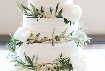 Mariage - Provence / Un mariage qui sent bon la lavande... www.artisevenement.fr