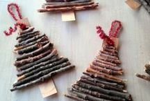 Christmas Crafts / Are you busy decorating or wrapping.  Some quick and simple crafts to keep the kids occupied.