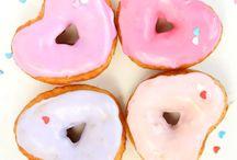 Ideen zum Valentinstag / Valentinstag, Valentinstags DIY, Valentinstagsgeschenke, Geschenke, Liebe, Herzdonuts, romantische Geschenke, Geschenke für den Partner