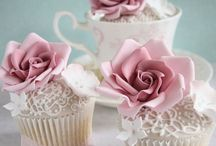 Cakes : Cupcakes, Mini Cakes & Cookies : too exquisitely crafted to eat / Each and every pin is of a work of art ... and I can only imagine - endless patience. Beautifully decorated cupcakes, mini cakes, cookies, & petit fours which I would not be able to take a bite out of.
