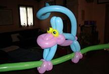 Balloon twisting / Many examples of handmade objects, flowers, animals and other using the art of balloon modelling or balloon twisting.