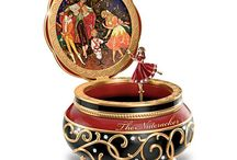 Collectables : Music Boxes