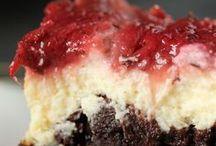 Just Desserts....Yummm / by Ivelisse Colon