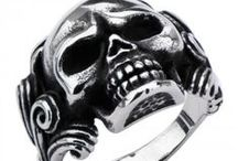 Skull Rings / Stainless steel Skull Rings for both men and women by Rossi and Rossi Jewlery shop