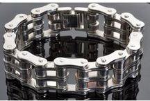 Mens Bracelets / Mens Bracelets available in unique design and in various brands.