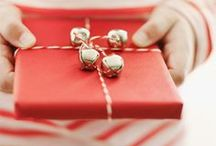 Gift wrapping / https://www.facebook.com/pages/All-I-want-for-Christmas/199719693547081?ref=hl