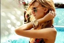 Michael Kors Watches    Quickjewels.nl / Dé ontwerper van dit moment, Michael Kors. Verfijnde details in de door hem ontworpen horloges. Hoogwaardige kwaliteits-producten.  En vooral bovenop de trends van nu.   The beauty of dressing for summer is easy silhouettes, light fabrics and prints, prints, prints, - MICHAEL KORS