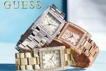 Guess Watches / De mooiste Guess Horloges zijn bij ons te vinden. Wij mogen een ruim assortiment Guess dames- en herenhorloges aanbieden. Quickjewels.nl levert al haar producten in de originele verpakkingen met garantiebewijzen en instructieboekjes. Is het een cadeau? Dan pakken we het gratis voor jou in.