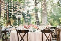 Outdoor Weddings / Beautiful outdoor wedding inspiration for brides who want a outdoor wedding.