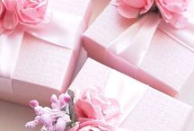 Gift wrapping / Ideas and inspiration to make any gift beautiful.