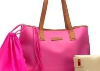 Pink Diaper Bags / Hey busy mom! Looking for a pink diaper bag? Check our Pinterest board filled out with only diaper bags in pink. You'll definitely find some lovely options to choose!