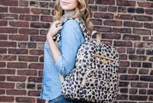 Lightweight Diaper Bags / Lightweight diaper bags come in many styles, patterns and colors. Everyone will find a great match for their personal taste here!