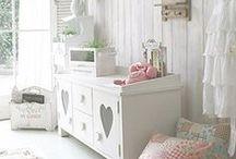 Furnitur Minimalis-Modern / Perabotan/mebel dengan konsep minimalis modern