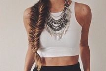 How to wear: Lace Crop Top / Cute crop top outfit ideas.