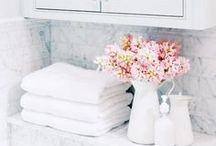 Bathroom Organization / Bathroom organization ideas and easy cleaning tips.