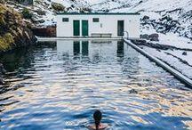 VOYAGE | Islande / L'Islande, cela faisait un moment que l'on rêvait d'y aller. Découvrir ses paysages sauvages, ses cascades, ses geysers, ses sources chaudes et ses aurores boréales. Marcher sur la plage noire de Vik ou sur le glacier de Jokulsarlon. Se balader à Reykjavik et découvrir le slow-travel. Quoi faire en Islande, hors des sentiers battus, le cercle d'or, où manger, où dormir pendant une semaine ou lors d'un road-trip de plusieurs jours.