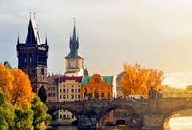 VOYAGE   République Tchèque / Un futur week-end à Prague de prévu ? Découvrez les incontournables : le château de Troja, la vieille ville, le pont Charles... Mais aussi les visites hors des sentiers battus : le John Lennon Wall,  le quartier de Zizkov, la maison dansante... Ou encore le belvédère de Petrin ! #Prague #RepubliqueTcheque