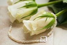Here comes the bride / Wedding gifts for the bride or bridesmaid on the wedding day