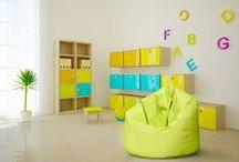 Pokój dziecka inspiracje na kolorowe pufy / Dzieci uwielbiają zabawę na naszych pufach. W każdym pokoju taki fotel czy pufa powinna się znaleźć. Są bezpieczne podczas zabaw i wygodne do siedzenia.