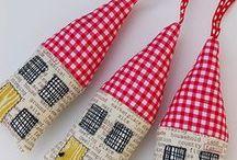Sugar house and Co / English cottages, cabanes de sorcières, maisons de pain d'épices