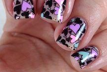 Nail Art / Really cute nail designs I'd like to try and lots of nail polishes I want!
