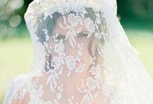 Wedding Accessories / Bridal Headpieces, Wedding Veils, Wedding Jewellery for the Bride, bridal bags, wedding gloves etc.