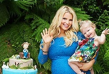Celebrity Babies & Moms / We love these celebrity babies and their famous mamas!