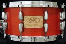 SJC Custom Drums (Snares) / Aquí les presentamos ejemplos de Snares SJC personalizados. Tú puedes diseñar el tuyo!