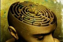 "Art on ""labyrinths of mind"""