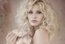 Glamour portraits / Glamour photography and portraiture couture. Beauty and glamour images by portrait photographers.