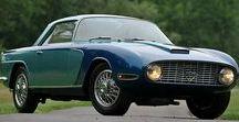 Fiat Lancia ( İtalya) / Lancia, Vincenzo Lancia tarafından 1906 yılında kurulan İtalyan otomobil üreticisi, 1969'dan beri Fiat grubunun bir parçasıdır yani Fiat Lancia'nın sahibir.