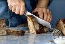 Chef Edition / Curățarea legumelor, tăierea fructelor și a legumelor, tocarea mirodeniilor este mult mai ușoară alături de cuțitul potrivit! Designul ergonomic al cuțitelor este completat de lama adecvată. Descoperă secretele oricărui Chef pe http://www.somproduct.ro/bucatarie/cutite-si-accesorii   Cleaning vegetables, peeling fruit, filleting meat or weighing herbs — the right knife makes all these jobs easy. This means having an ergonomic design as well as a suitable blade.