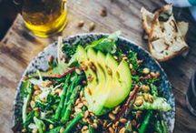 Salads & S{a}ndwiches