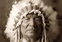 Edward Curtis, photographe des  Amérindiens / Photos indiennes