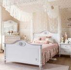Serie Romantic: Cama Princesa Romántica / Habitación de temática de princesas de la serie Romantic de Cilekspain, dormitorios temáticos.