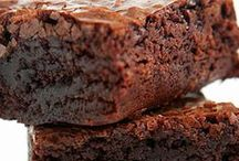 Brownies & Bars - Sweet Square Treats / Brownies, bars and any other sweet treat you would make in a pan and cut into square or rectangular pieces, cake excluded.  #desserts #brownies #sweets #treats #blondies