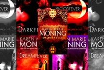 Books and authors I love / As a big reader, here are some books - and series - I love to read / by Esther M. Soto
