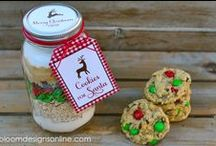 Homemade Gifts In Jars / Great for neighbors, work friends, teachers, and anyone that just loves to bake or be creative!
