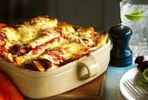 Winter Warmer meals / From Chili con carne to Hearty Casseroles and Cheesy Baked Enchiladas, this board has lots of recipes and inspiration for you and your family & friends this chilly winter!
