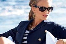 Marine style / Kobiecy styl marynarski jest modny nie tylko latem! Jesienią i zimą noś modne marynarskie sukienki i żakiety, morskie sukienki i spódniczki, żeglarskie koszule i T-shirty. Zobacz marynarskie trendy w żeglarskiej modzie!  Marine Style, Marine Fashion Trends, Marine Clothing, Marine Fashion Model, Marine Jewelry, Nautical Style, Nautical Fashion Trends, Nautical Clothing, Nautical Style Dress, Marine Style Dress, Marine Style Jacket, Nautical Style Jacket