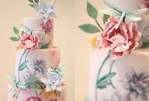 Cake Trends 2016 - Hand Painted Cakes / One of our favourite new cake trends for 2016 is painted cakes - look how pretty the designs are!