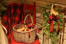 Christmas at the Cabin / Creating a rustic look - especially at Christmas - can also be accomplished at home. Here are some of our favorites ideas for sprucing up your cabin, log home or lodge-themed home for the holidays!