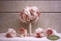 Ramos de Novia by LULABI/ Fabric Bridal Bouquets by LULABI / Ramos de novia confeccionados a mano, por encargo y a tu gusto. Elaboramos nuestros ramos solo con telas de alta calidad: seda, organza, encaje, plumetti, seda salvaje, raso de novia...Replicas identicas al ramo de novia en varios tamaños. / Fabric bridal bouquets 100% handmade, using only high quality fabrics.