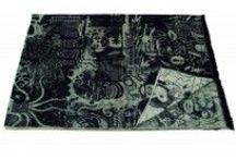 Plaids Jean Paul Gaultier / Découvrez notre sélection de plaids Jean Paul Gaultier pour une décoration design, contemporaine ou classique, et faites le choix parmi nos plaids dans une gamme complète et originale.