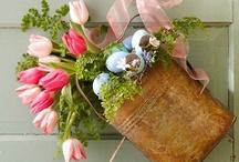 Easter / Crafts / Easter and Spring DIY Crafts