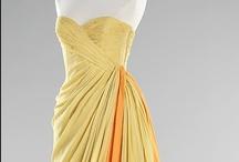Fashion: Vintage: Dresses / by Kiki H.