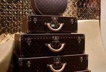 Designer Bags / Taschen / Eine Handtasche gibt jedem Outfit den letzten Schliff - Fashion-Trends und die neuesten Handtaschenmodelle aus der Redaktion.