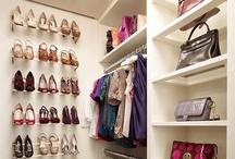 Wardrobe / Begehbarer Kleiderschrank / Die coolsten Ideen für ein Ankleidezimmer und meine Wardrobe Organizer Tipps  - mach aus Deinem Kleiderschrank einen Fashionpalast  - more on www.homeandart.ch The Wardrobe Organizer